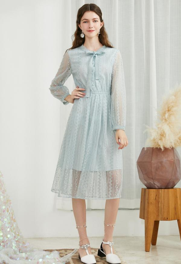 秋天穿什么款式的连衣裙好看?春美多连衣裙怎么样?