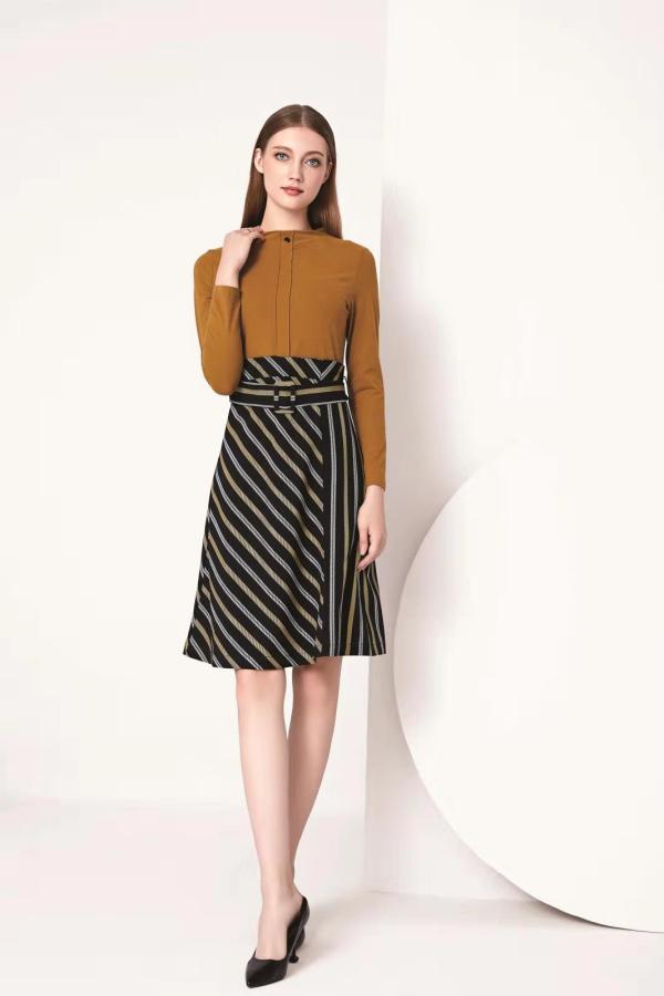 想做個有實力有市場的女裝品牌  我選芮色女裝