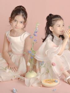 贝的屋秋冬新款童装粉裙