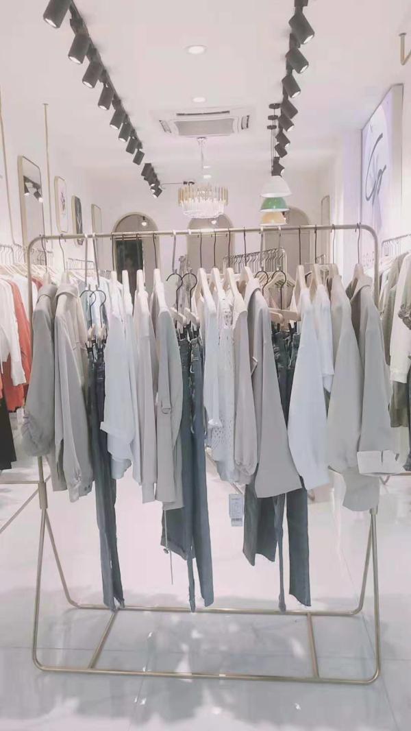 恭贺《果一果女孩》新形象:四川泸州541店盛大开业!