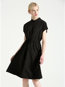 摩米图条纹连衣裙