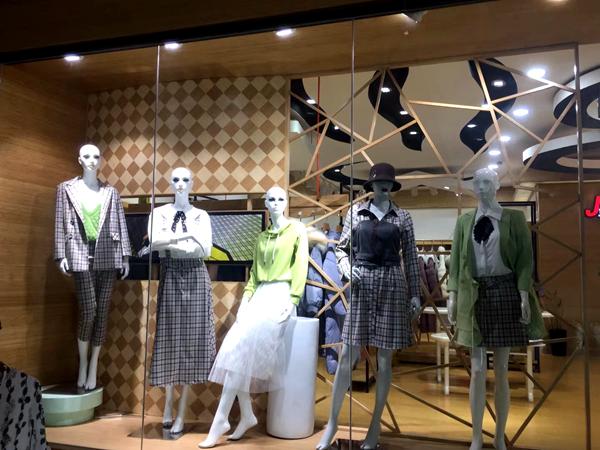 金蝶茜妮女装品牌实体店品牌旗舰店店面