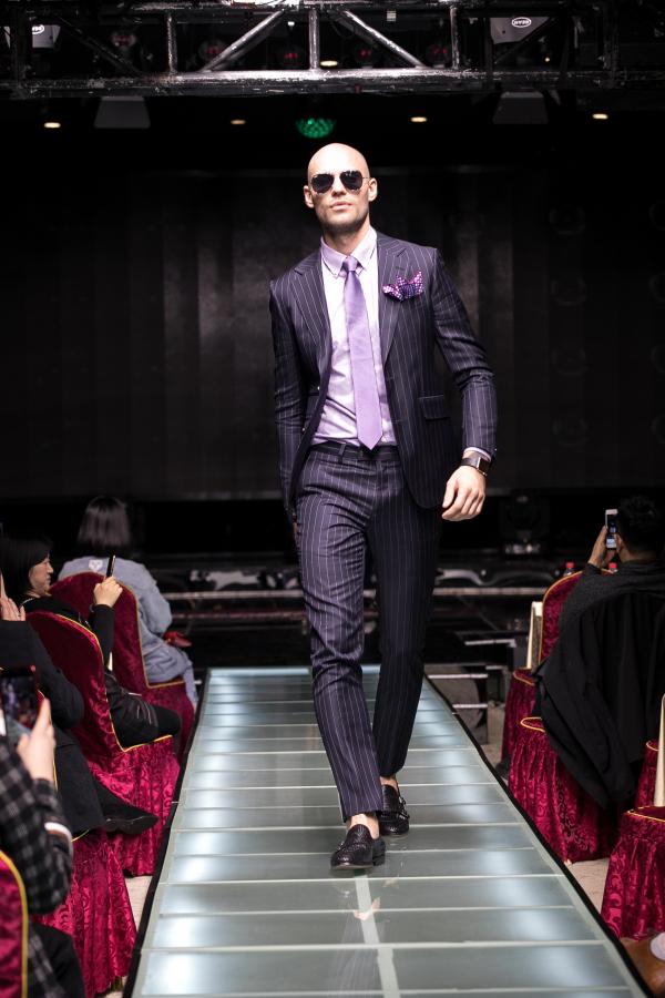 男装定制行业蓝海 雷尼德用品质赢得市场认可