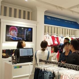 英伦风格的伊顿风尚童装品牌实体店如何引导客户进店?