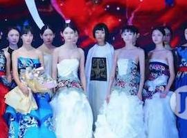 中服直击|专访领衔濮院时尚周开幕大秀的超模小姐姐们