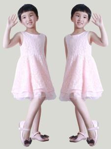象样粉色连衣裙