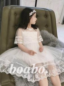 宝儿宝白色公主裙
