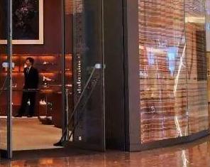 爱马仕三分之一买家是中国人 麦肯锡:快抱紧年轻人大腿