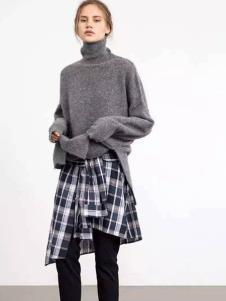 伊行灰色高领毛衣