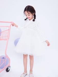 宝儿汪白色纱裙