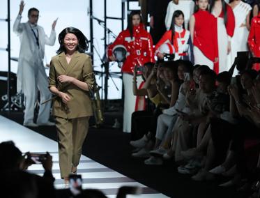 国际超模吕燕呼吁中国打造全球品牌