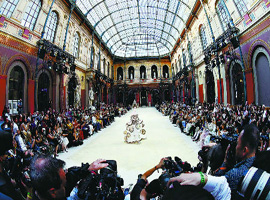 中国时尚审美再次冲击了国际时尚视野 探索多种可能
