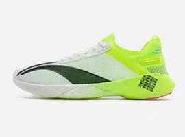 國產品牌真能把跑鞋賣到2000+元嗎?