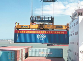 石狮服装城贸易试点出口额破百亿