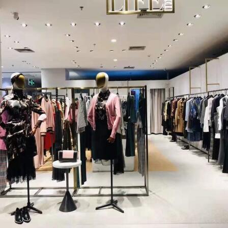 热烈祝贺莱芙·艾迪儿LIFE·IDEA女装广西柳州工贸店开业大吉!
