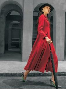 电影时装红色连衣裙