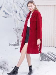 春美多红色大衣