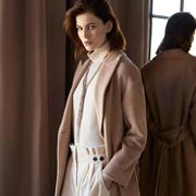 这个秋天入手一件Peserico大衣 让我们向阳而行温暖秋冬