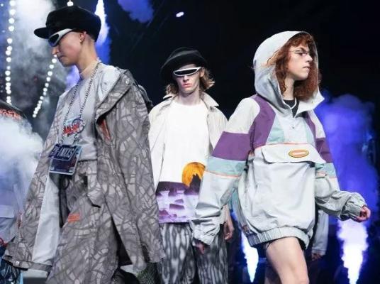 上海时装周新天地秀场Pick:潮酷文化与年轻态度