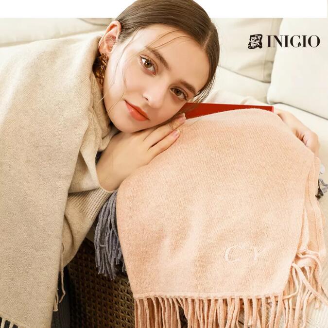 私人订制 | 围上围巾,把冬季时髦进行到底!