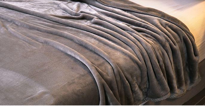 秋夜小温暖 毛毯厂家馨格家纺教您如何挑选毛毯