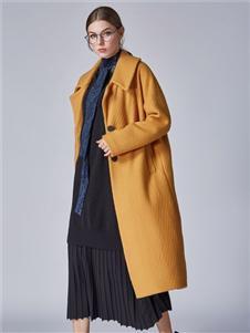 墨曲2019冬季黄色大衣