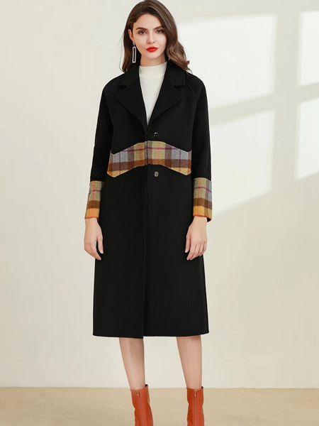 彩知丽CZHLE:秋冬大衣这样搭 时尚又优雅