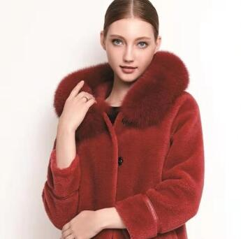 芮色RUISE:別再穿過時的大衣的 顆粒羊毛大衣正流行
