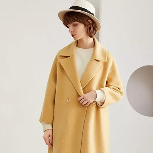 LESIES蓝色倾情:入冬的大衣,应该怎么「穿」?