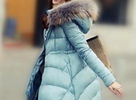 """国产羽绒服标价上万 冬天你能实现""""保暖自由""""吗?"""