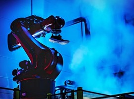 阿迪达斯计划关闭德美机器人工厂 回归亚洲