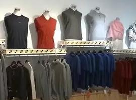 今年冷冬大概率为零,不仅7个仓库的棉服卖不出去,连四季青都是空无一人!