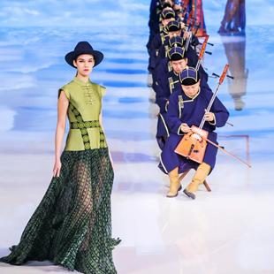 """""""绣梦中国"""",依文用时尚的方式向世界讲述中国故事,推动民族手工艺国际化"""