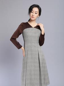 千桐女装冬季新款格子连衣裙
