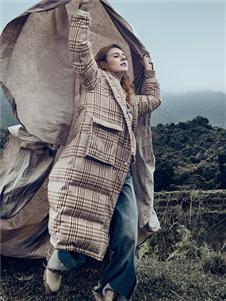丽迪莎秋冬新款时尚格子羽绒服