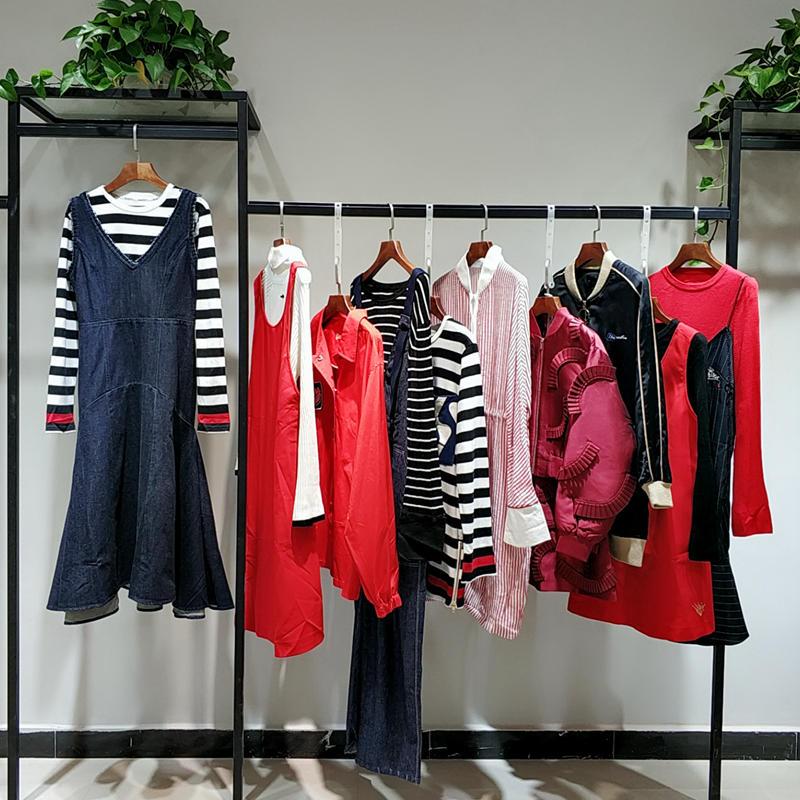 凯伦诗上海休闲棉麻原创设计师品牌折扣女装批发走份