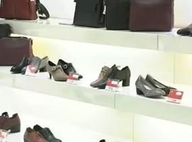 """一代""""鞋王""""败走!鞋子生意,咋就这么难?"""