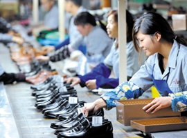 台资鞋厂超百人中毒,越南出动防化部队