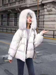 碧成萱2019冬季女装大毛领羽绒服