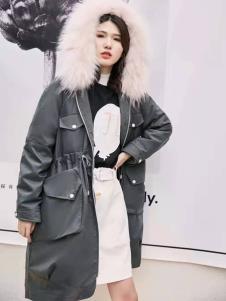 碧成萱女装冬新款抽绳羽绒服