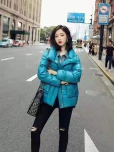碧成萱2019冬季女装蓝色羽绒服