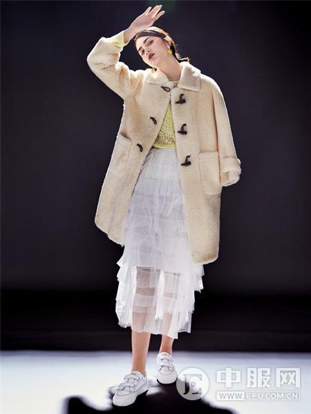 艾米女装羊羔绒外套
