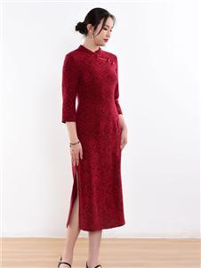 忆花寻红色旗袍