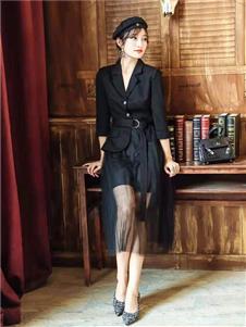 M+女装黑色连衣裙
