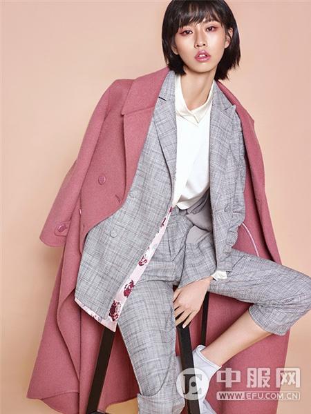 迪凯女装粉色大衣