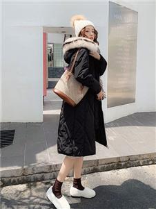 藏九女装黑色羽绒衣