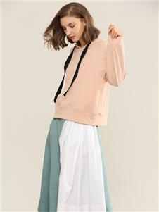 扣扣粉色卫衣