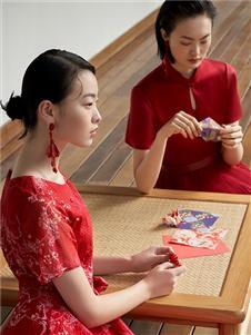 迪凱女裝紅色連衣裙