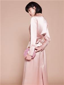 迪凱女裝粉色連衣裙