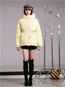 阿莱贝琳女装黄色羽绒衣 款号368163